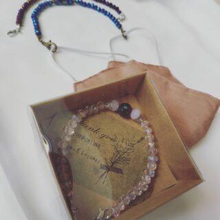 Ready box yaa...  Pelanggan Souvenier/ mitra accesoris / pelanggan tersayang 😍😍 .  Kait  masker by @accesorieshijab_syarifah  Ready yaa... Model  jadi favorit 😍  #kotakbrosdagu  #boxpersegi  #boxhijab  #boxtasbihdigital  #kotakgelang  #kotakbros  #kotaksouvenir  #boxtasbihdigital  #boxtuspin  #kotakbros  #kotakgelang  #kotakhijab  #kemasanbros  #boxkalungmasker